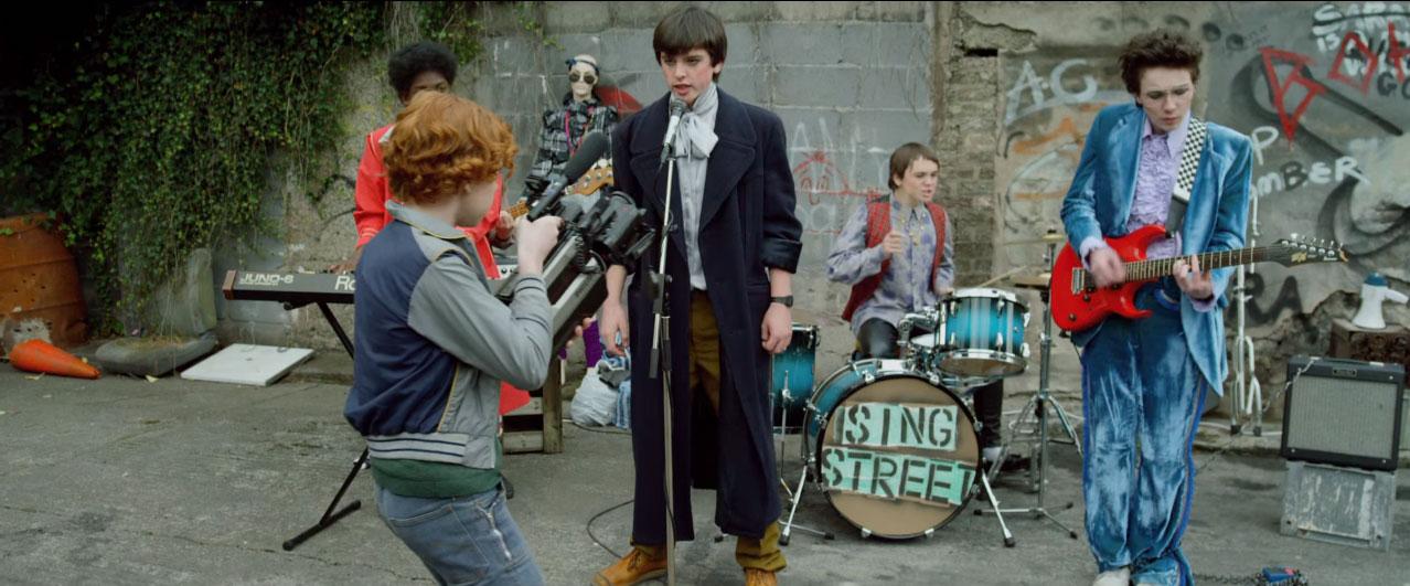 Sing Streetin (2016) pojat ovat taatusti coolimpia kuin sinä